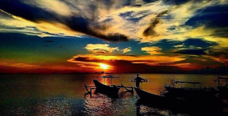 Jelajahi Hutan Mangrove Sambil Nikmati Sunset di Pantai Tanjung Peni Cilegon